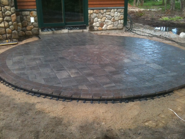 Circle patio/sitting area using Genest Katahdin stone